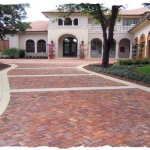 Bella Brick with 4 x 8 Cream Paver Border