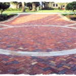 Bella Brick with Travertine Borders